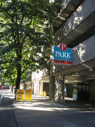 SW 3rd and Columbia Smart Park Garage entrance